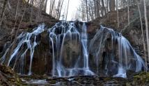 Cobweb Falls, VA