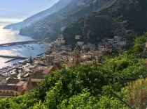 In Amalfi I again climbed numerous steps in search of a cache.